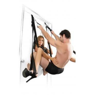 wsi-imageoptim-fantasy_door_swing_couple